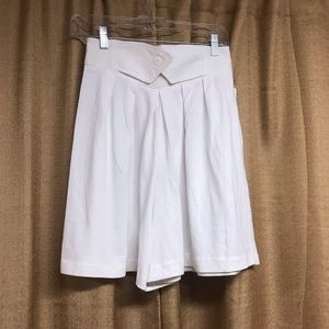 Vintage high waist white short with tags!